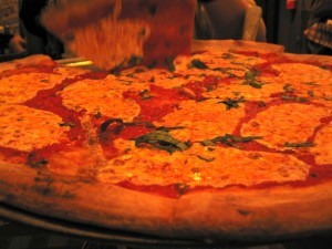 Plain pie at Lombardi's. Photh by Matt Gold